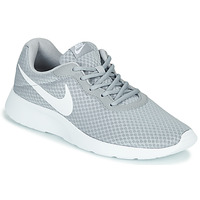 kengät Miehet Matalavartiset tennarit Nike TANJUN Grey / White