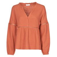 vaatteet Naiset Topit / Puserot Betty London NASSE Red