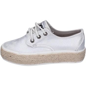 kengät Tytöt Matalavartiset tennarit Xti sneakers pelle sintetica Argento