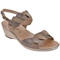 kengät Naiset Sandaalit ja avokkaat Confort  Beige