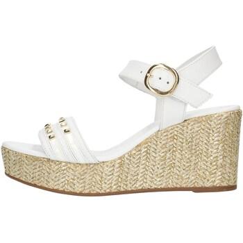 kengät Naiset Sandaalit ja avokkaat NeroGiardini E012400D White