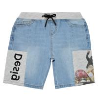 vaatteet Pojat Shortsit / Bermuda-shortsit Desigual 21SBDD02-5053 Sininen
