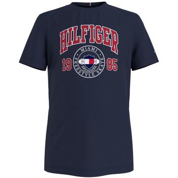 vaatteet Pojat Lyhythihainen t-paita Tommy Hilfiger CRISA Laivastonsininen