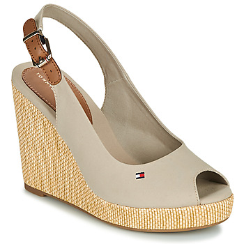 kengät Naiset Sandaalit ja avokkaat Tommy Hilfiger ICONIC ELENA SLING BACK WEDGE Taupe