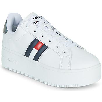 kengät Naiset Matalavartiset tennarit Tommy Jeans IRIDESCENT ICONIC SNEAKER Valkoinen