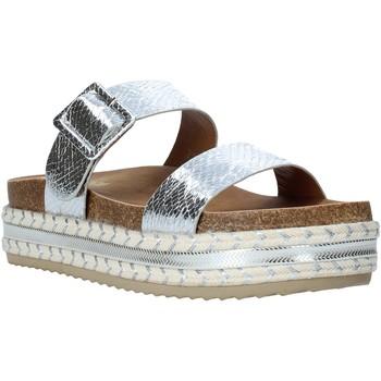 kengät Naiset Sandaalit Gold&gold A20 GJ340 Hopea
