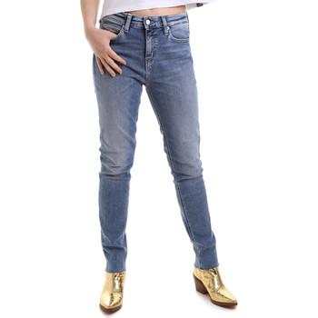 vaatteet Naiset Slim-farkut Calvin Klein Jeans J20J212737 Sininen