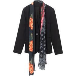 vaatteet Naiset Takit / Bleiserit Desigual 19WWEWAP Musta