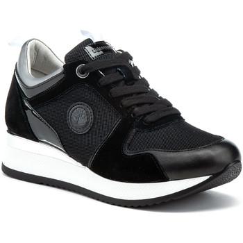 kengät Naiset Matalavartiset tennarit Lumberjack SW84312 001 X25 Musta