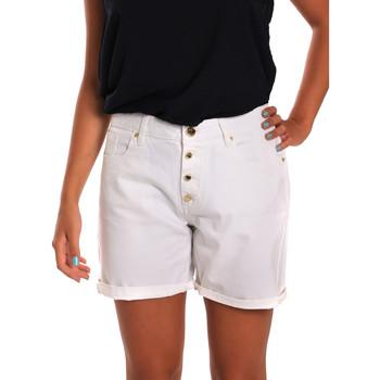 vaatteet Naiset Shortsit / Bermuda-shortsit Gaudi 811BD25015 Valkoinen