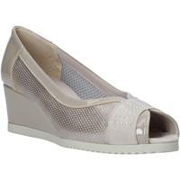 kengät Naiset Sandaalit ja avokkaat Comart 023353 Beige