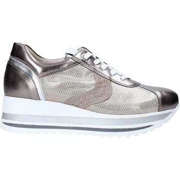 kengät Naiset Matalavartiset tennarit Comart 1A3467ST Beige