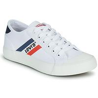 kengät Pojat Matalavartiset tennarit Levi's MISSION Valkoinen