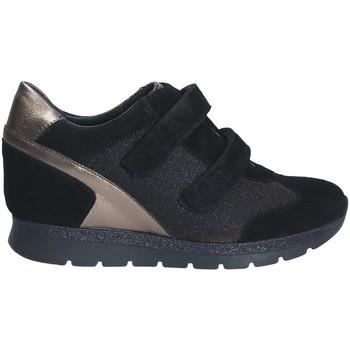 kengät Naiset Matalavartiset tennarit Keys 7079 Musta