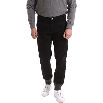 vaatteet Miehet Chino-housut / Porkkanahousut Gaudi 62BU20001 Musta