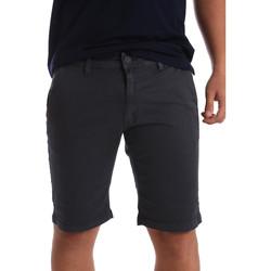vaatteet Miehet Shortsit / Bermuda-shortsit Navigare NV56001 Harmaa