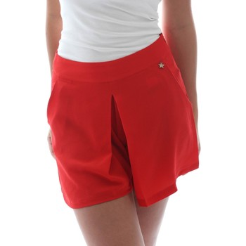 vaatteet Naiset Shortsit / Bermuda-shortsit Fornarina BER1L17C98176 Punainen
