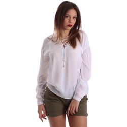 vaatteet Naiset Topit / Puserot Gaudi 73BD47209 Valkoinen