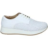 kengät Naiset Matalavartiset tennarit Stonefly 108432 Valkoinen