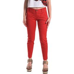vaatteet Naiset Chino-housut / Porkkanahousut Fornarina BE171L74G29176 Punainen