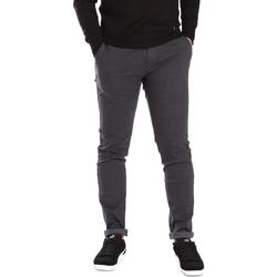 vaatteet Miehet Chino-housut / Porkkanahousut Gaudi 721BU25007 Harmaa