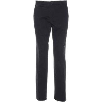 vaatteet Miehet Chino-housut / Porkkanahousut NeroGiardini A770010U Musta