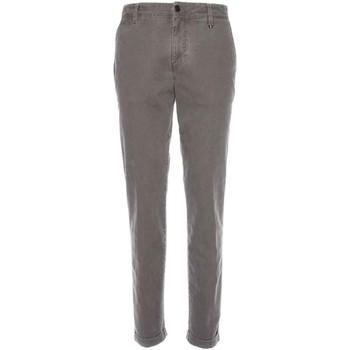vaatteet Miehet Chino-housut / Porkkanahousut NeroGiardini A770020U Muut