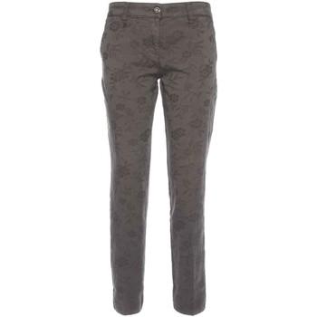 vaatteet Naiset Chino-housut / Porkkanahousut Nero Giardini A760010D Musta