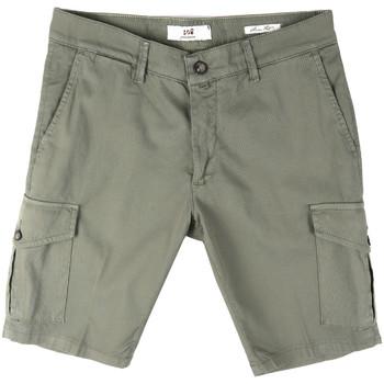vaatteet Miehet Shortsit / Bermuda-shortsit Sei3sei PZV130 8157 Vihreä