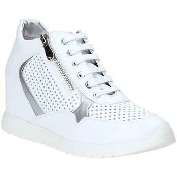 kengät Naiset Matalavartiset tennarit Lumberjack SW36205 003 P05 Valkoinen