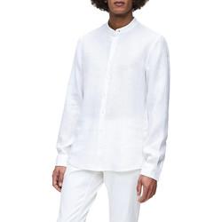 vaatteet Miehet Pitkähihainen paitapusero Calvin Klein Jeans K10K105389 Valkoinen
