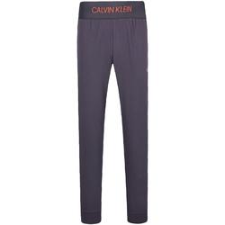 vaatteet Miehet Verryttelyhousut Calvin Klein Jeans 00GMF8P620 Harmaa