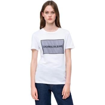 vaatteet Naiset Lyhythihainen t-paita Calvin Klein Jeans J20J208606 Valkoinen