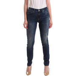 vaatteet Naiset Boyfriend-farkut Calvin Klein Jeans J20J209427 Sininen