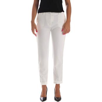 vaatteet Naiset Chino-housut / Porkkanahousut Fracomina FR19SP684 Valkoinen
