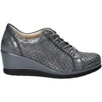 kengät Naiset Matalavartiset tennarit Pitillos 5523 Harmaa