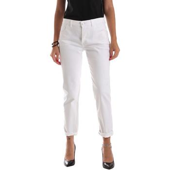 vaatteet Naiset Slim-farkut Byblos Blu 2WJ0011 TE0128 Valkoinen