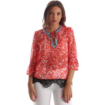 vaatteet Naiset Topit / Puserot Gaudi 911BD45013 Punainen