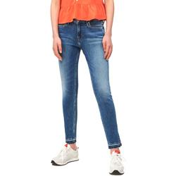 vaatteet Naiset Slim-farkut Calvin Klein Jeans J20J211434 Sininen
