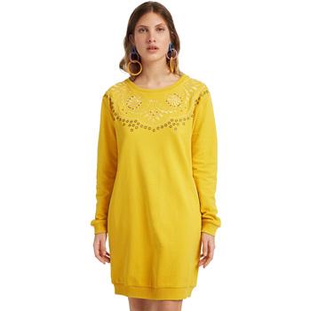 vaatteet Naiset Lyhyt mekko Desigual 19WWVK86 Keltainen