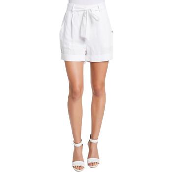 vaatteet Naiset Shortsit / Bermuda-shortsit Gaudi 011BD25046 Valkoinen