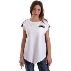 vaatteet Naiset Lyhythihainen t-paita Versace D3HVB657S0683904 Valkoinen