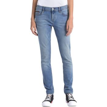 vaatteet Naiset Farkut Calvin Klein Jeans J20J206356 Sininen