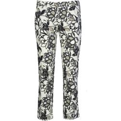 vaatteet Naiset Chino-housut / Porkkanahousut Café Noir JP242 Musta