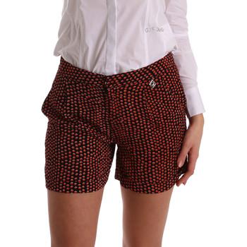 vaatteet Naiset Shortsit / Bermuda-shortsit Gaudi 73BD25209 Musta