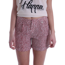 vaatteet Naiset Shortsit / Bermuda-shortsit Gaudi 73BD25209 Beige