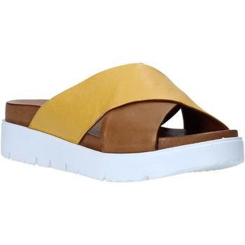 kengät Naiset Sandaalit Bueno Shoes N3408 Ruskea