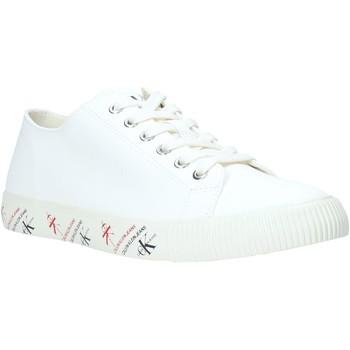 kengät Miehet Matalavartiset tennarit Calvin Klein Jeans B4S0668 Valkoinen