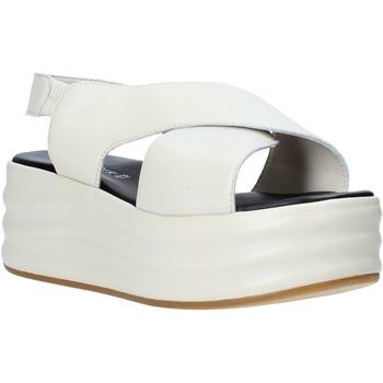 kengät Naiset Sandaalit ja avokkaat Café Noir GG426 Beige