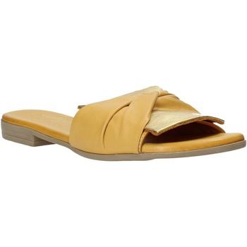 kengät Naiset Sandaalit Bueno Shoes 9L2735 Keltainen